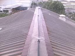 Lắp đặt máy  phun nước mái tôn