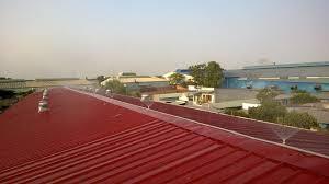Máy phun sương làm giảm bức nóng của mái tôn nhà xưởng